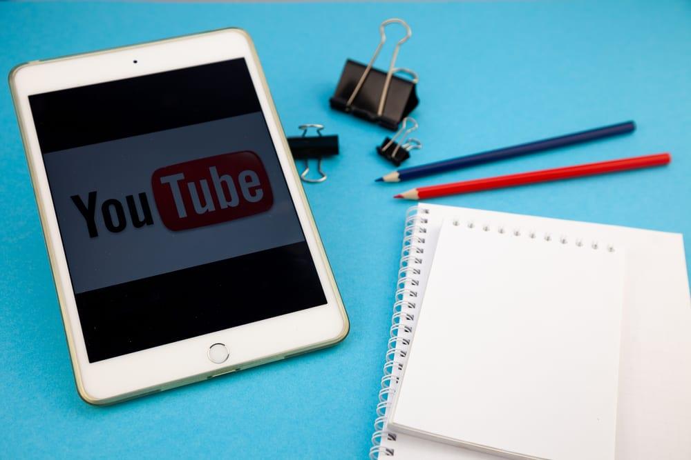 MakoStars LLC/ MakoStars study with Youtube