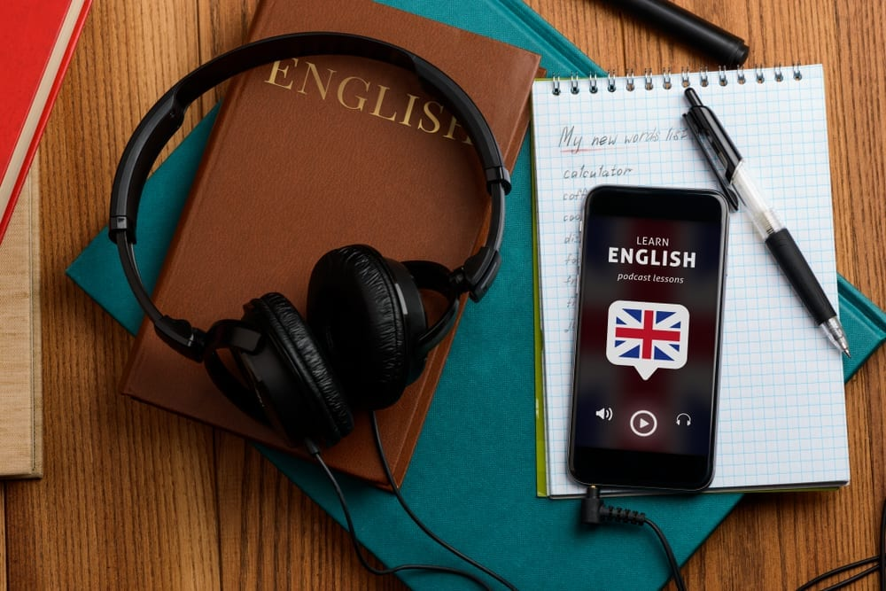 MakoStars LLC/ listening english speech using podcast