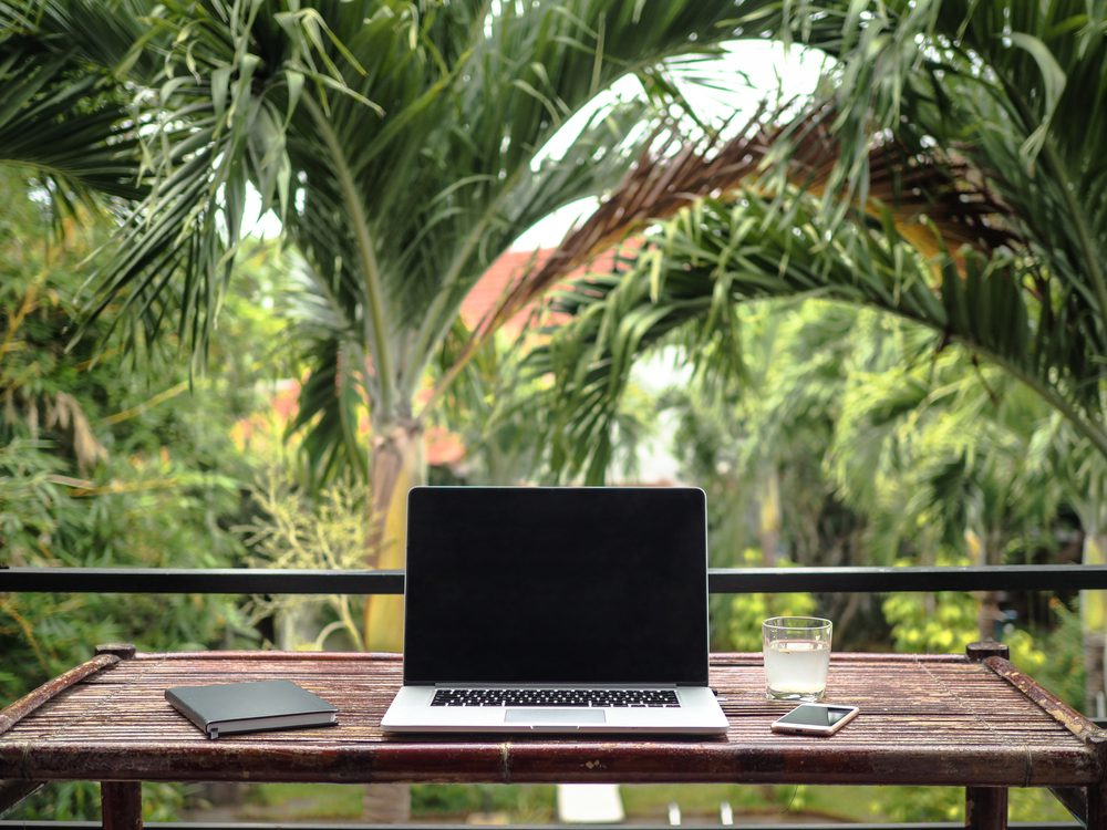MakoStars LLC/ MakoStars Lapto Remote Worker